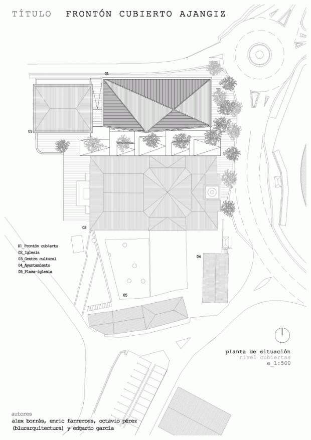 Крытый Фронтон на церковной площади 15