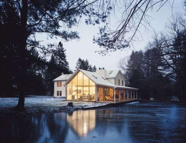 Шикарный плавучий жилой дом