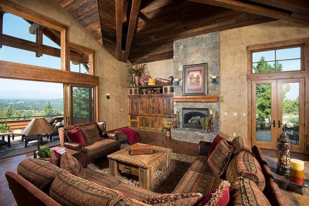 Красивый деревенский двухэтажный жилой дом 5