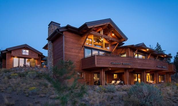 Красивый деревенский двухэтажный жилой дом 8