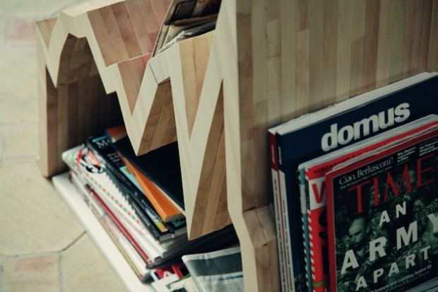 Финансовая диаграмма вдохновила на создание деревянной стойки для журналов 10Y