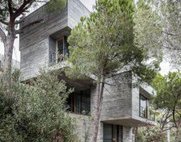Как умело и тонко использовать сложный рельеф для возведения архитектурного сооружения