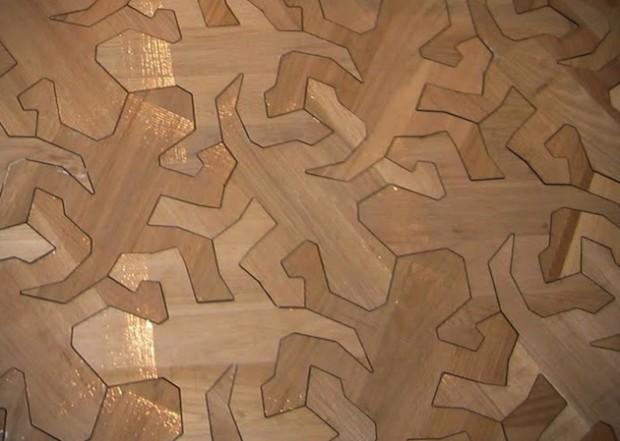 Рисунки рептилий на деревянном полу 3