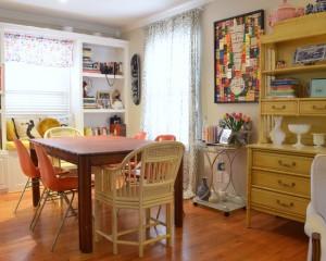 Столоая комната оформленная в китч стиле