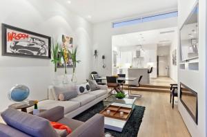 Интерьер современной гостиной с стиле китч