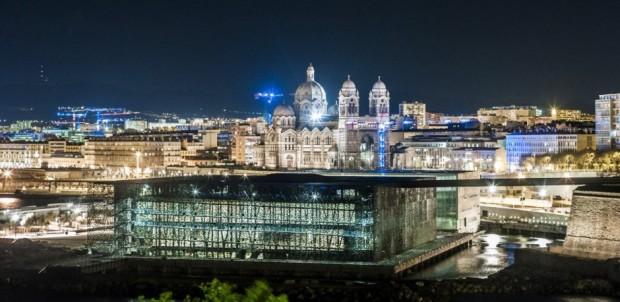 Кружевное здание из бетона и железа в Марселе