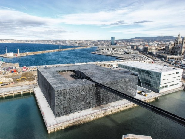 Кружевное здание из бетона и железа в Марселе 2