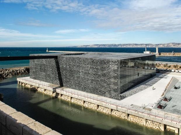 Кружевное здание из бетона и железа в Марселе 3