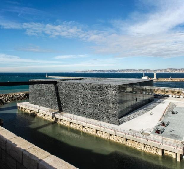 Кружевное здание из бетона и железа в Марселе 4
