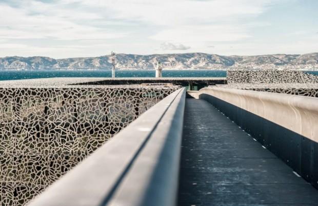 Кружевное здание из бетона и железа в Марселе 5