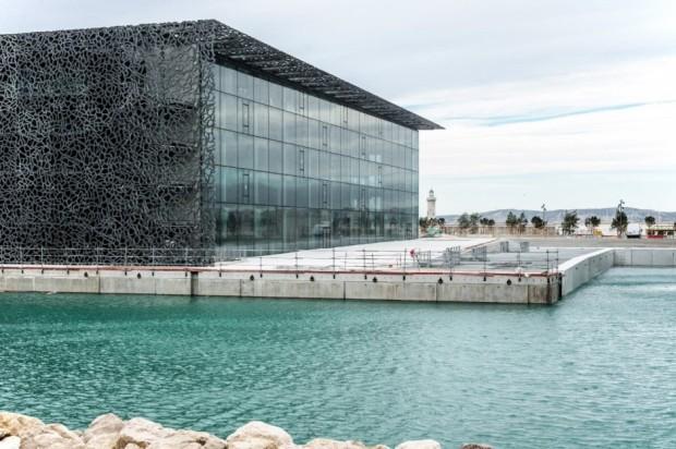 Кружевное здание из бетона и железа в Марселе 6