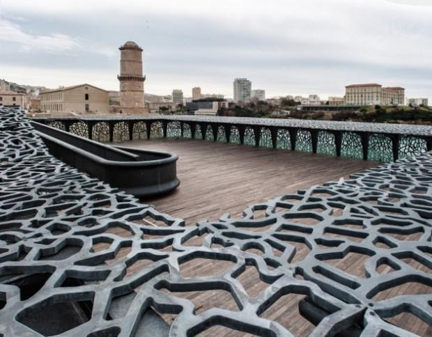 Кружевное здание из бетона и железа в Марселе 7