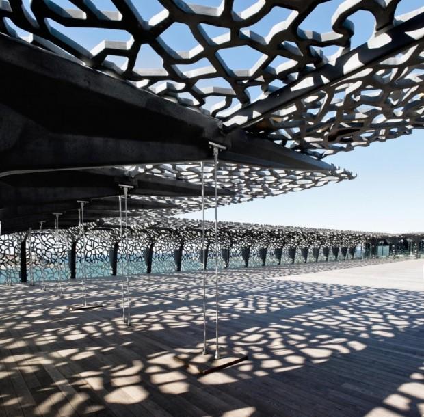Кружевное здание из бетона и железа в Марселе 8