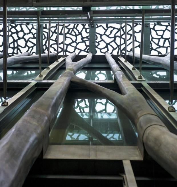 Кружевное здание из бетона и железа в Марселе 9