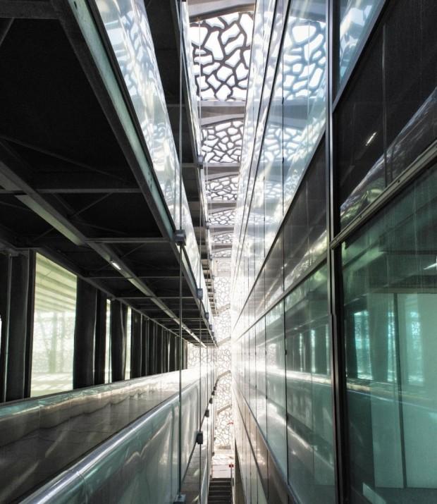 Кружевное здание из бетона и железа в Марселе 10