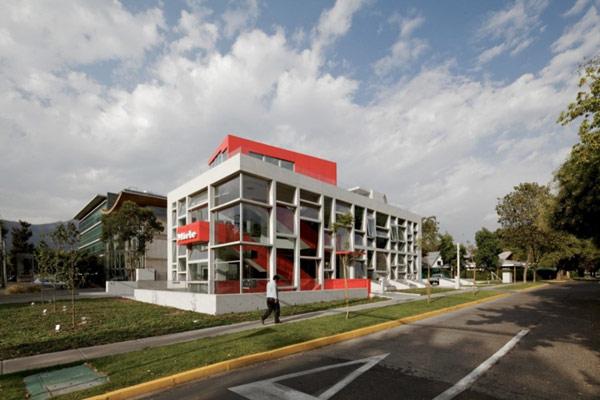 Яркая галерея дизайна в Чили 8