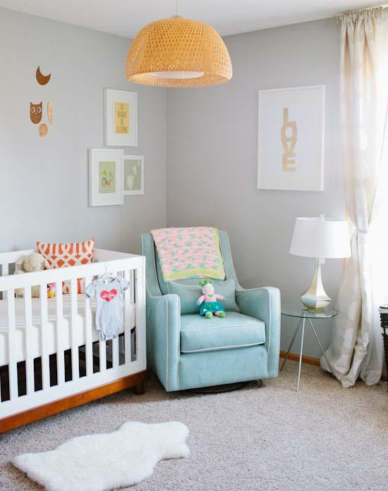 Спокойный интерьер детской комнаты