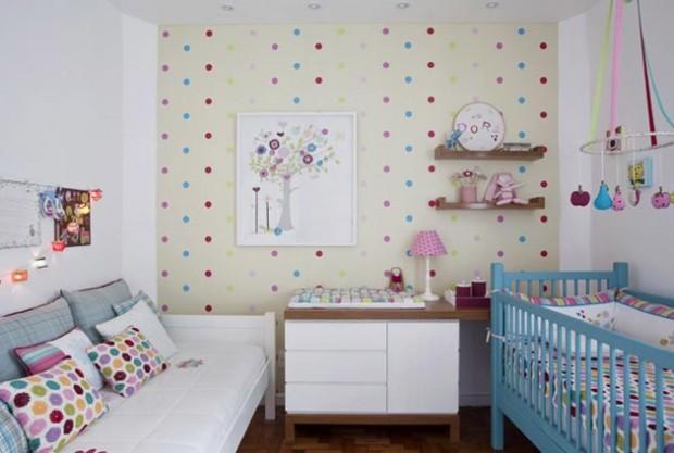Яркая комната для новорожденного