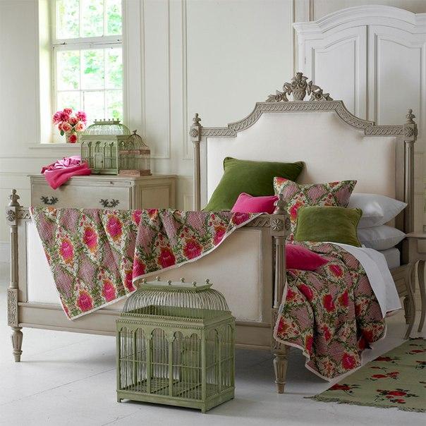 Интерьер спальной комнаты в романтическом стиле 6