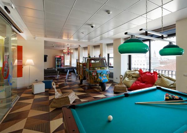 На фото: офис Google в Милане