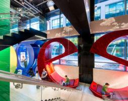Интерьер недели: 10 невероятных решений в дизайне офисов Google