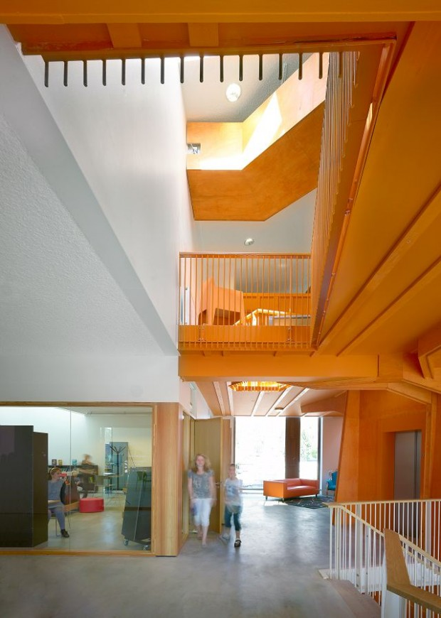 Общественный центр в Голландии 8