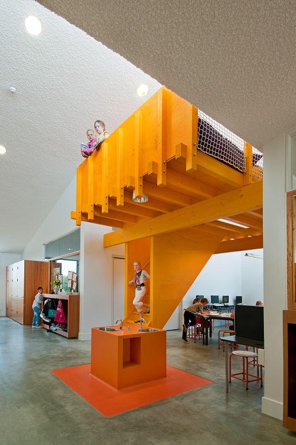 Общественный центр в Голландии 7