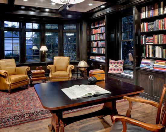 На фото: классический дизайн черного кабинета с интересным столом