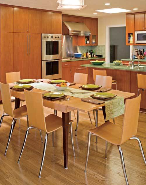 На фото: каждый участок комнаты благодаря сочетанию двух цветов навевает уют и спокойствие