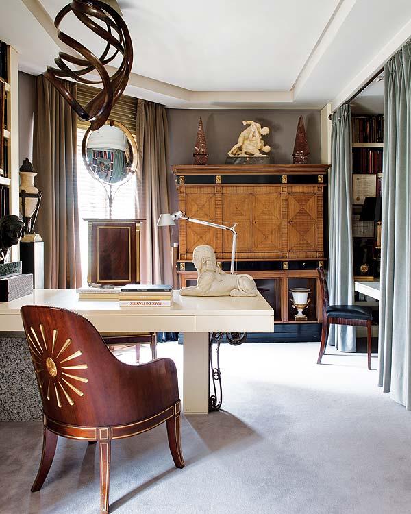 На фото: дизайн кабинета в квартире 6