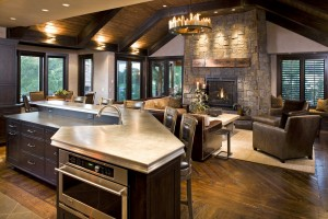 Каменный камин на кухне
