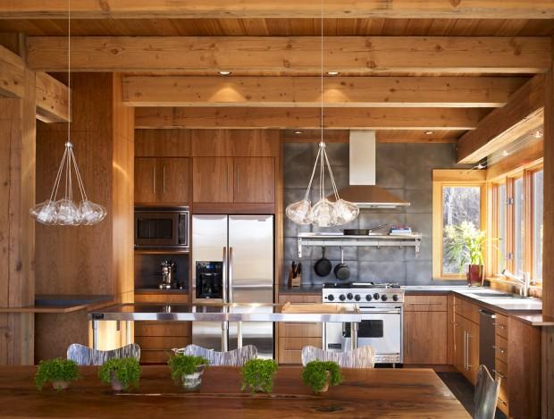 На фото: светлая деревянная кухня в стиле минимализм