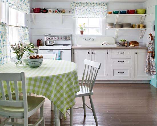 Простота всего дизайна, создает атмосферу уюта и гостеприимства на белой кухне