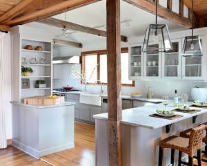 Фото: деревенская кухня в белых тонах