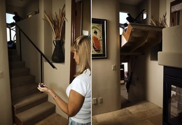 Тайная дверь в виде лестницы