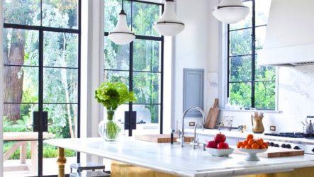 Интерьер мечты: бело золотая кухня