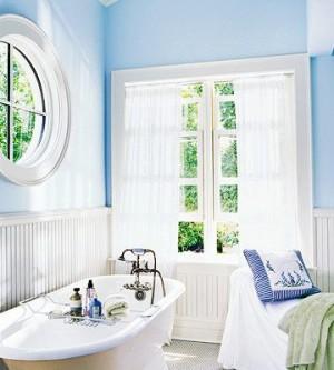 Окно в ванной комнате 32