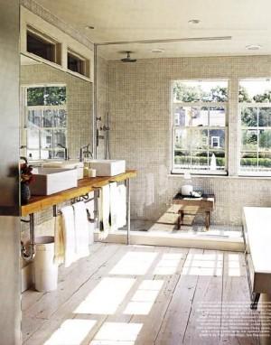 Окно в ванной комнате 39