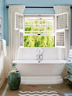 Окно в ванной комнате 33