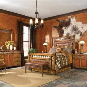 Спальня в Баварском стиле, с элементами кожи в интерьере