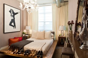 Небольшая женская спальня