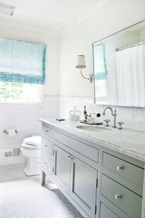 Окно в ванной комнате 42