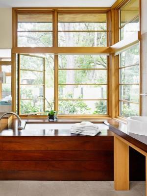 Окно в ванной комнате 2