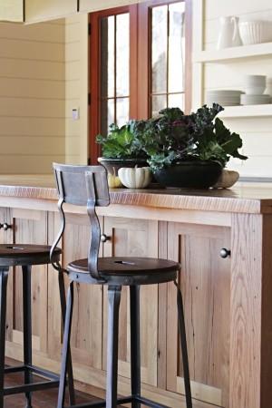 Дизайнерские кухонные стулья выведут декор кухни на новый уровень