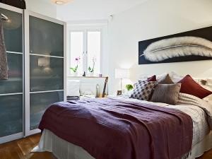 Квартира с небольшой спальной комнатой