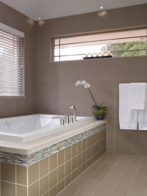 Окно в ванной комнате 5
