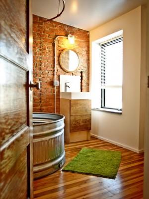 Кирпичная стена в ванне в стиле минимализм