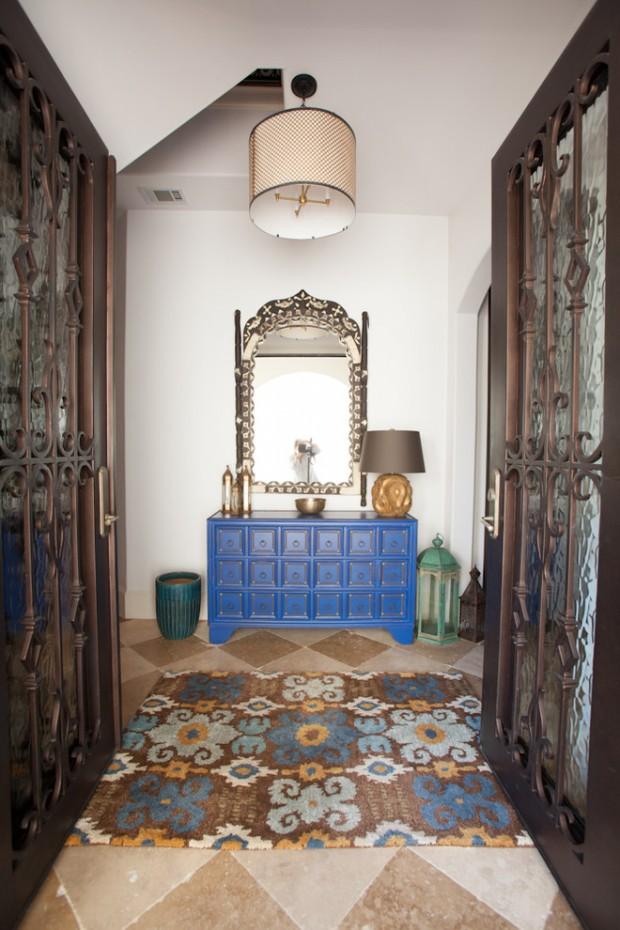 Парадный вход в мавританском стиле