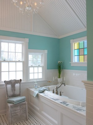 Окно в ванной комнате 13