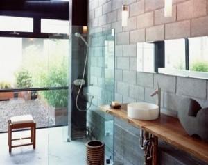 Блоки в интерьере ванной комнаты